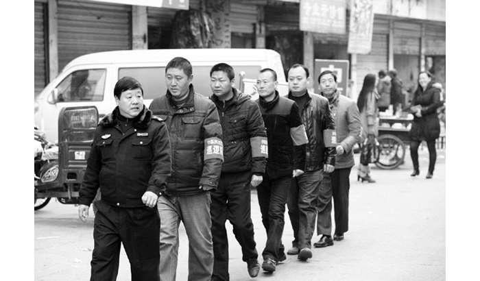小东关社区组织治安巡逻队