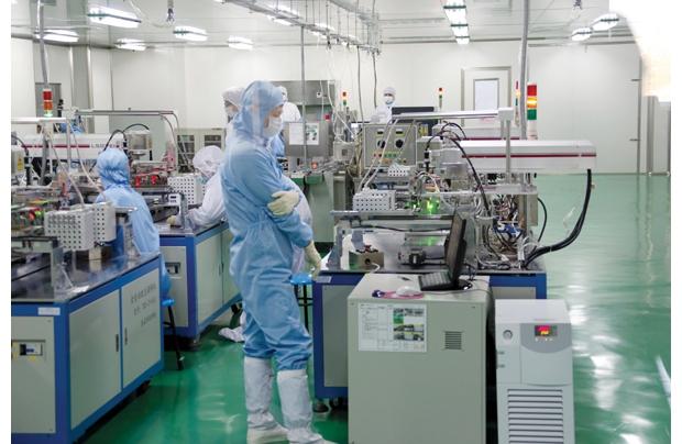 泰晶电子生产车间
