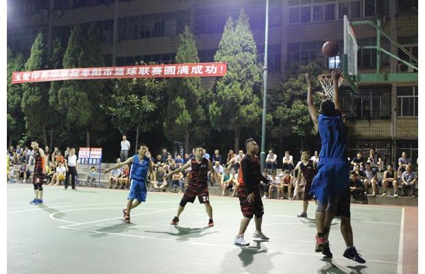 随州大和篮球队在枣阳市参加篮球联赛