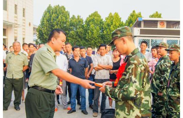 随县人武部激励新兵迈好军旅生活的第一步